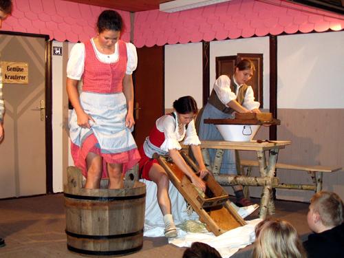 Theater 2004